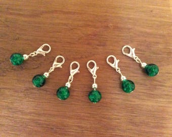 Set of 6 green crackle glass stitch markers, crochet, knitting, clip charms.