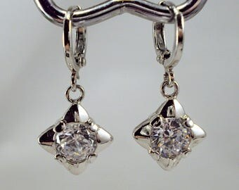 Unusual 18K White Gold Plated 1.25ct Cubic Zirconia Lever Back Dangle Earrings