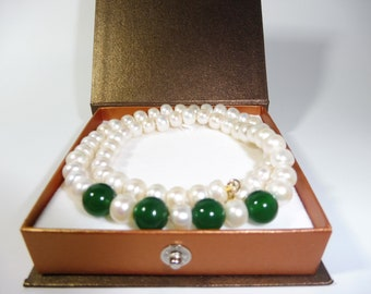 14K Solid Gold Freshwater Pearl Necklace With Green Agate Stones - 45cm Length