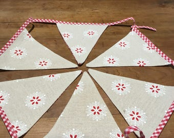 Red star and gingham bunting