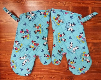 Mickey Mouse Oven Mitts- Housewarming Gift- Mickey Mouse Kitchen- Mickey Mouse Decor- Mickey Mouse Decoration- Mickey Mouse Wedding