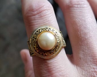 Faux pearl dome vintage ring