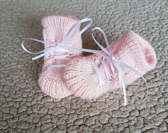 Baby booties, Newborn Shoes, Knitted baby shoes, Knit Baby Booties, Baby Girl Boots, Boots newborn,Pink Baby Boots,Baby girl shoes,Baby gift