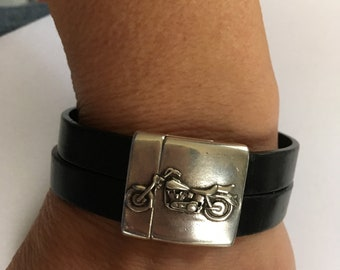 V-Twin Motorcycle Magnetic Clasp on Genuine Leather Band