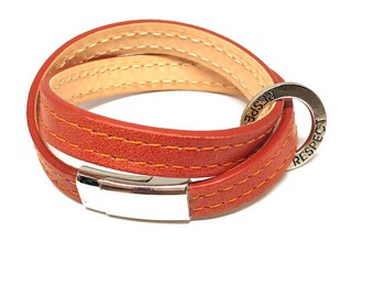 Double leather bracelets with silver metal clasp