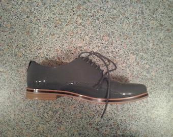 Elegant oxford shoes
