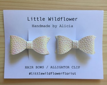 Pearl Bow Clips