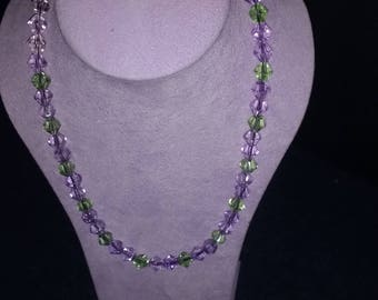 Mauve and green necklace with earrings