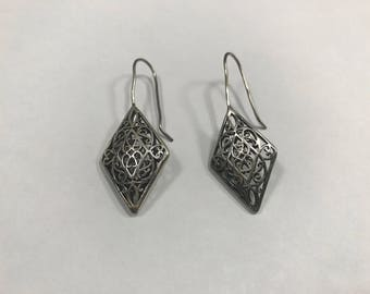 90's Art Nouveau Rhombus Filigree Hook Earrings