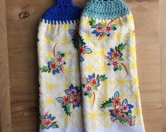 Set of 2 Hanging Towels - Crocheted Top Kitchen Towels - Double Thickness
