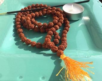 Japa Mala, Rudraksha,collana in Rudraksha, collana in semi, collana Mala,collana di perline,collana di shiva, collana con nappina