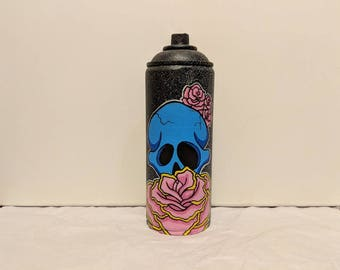 Skull and rose spray can
