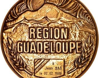 france région guadeloupe politics society war 1988 medal au(50-53)