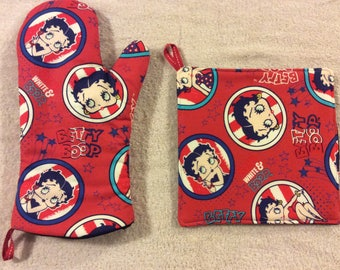 Betty Boop Oven Mitts and Hot Pads