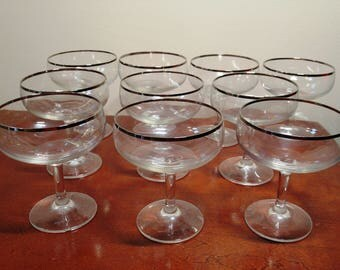 10 piece, vintage wine set