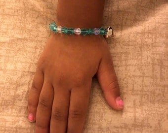 Little girls stretch bracelet