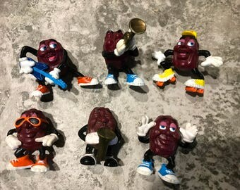 Qty of 6 1987 California Raisins