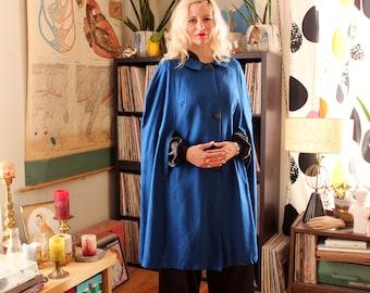 plus size vintage poncho . 1960s rayon cape poncho by Hayes . womens xl 1x