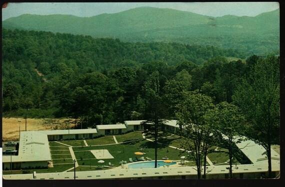 Howard Johnson's Motor Lodge and Restaurant – Asheville – Vintage Postcard