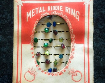 SALE 65pcs TOY RING Display Vintage 1940s Glass Japan