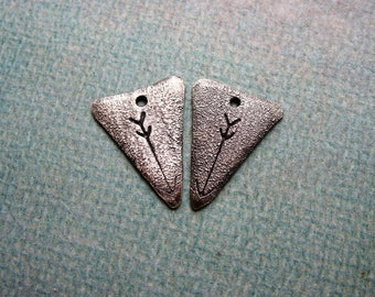 Antiqued Reticulated Sterling Silver Triangle Charms with Arrow Stamping - 1 pair - 17mm