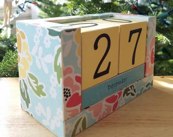Perpetual Wooden Block Calendar - Grandmas Wallpaper Flowers - Shabby Chic - Giant Graphic Florals - Gifts for 20 - Gifts for Her