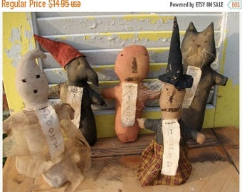 On Sale Primitive Doll, Halloween, Witch, Ghost, Pumpkin, Cat, Crow Stump Dolls