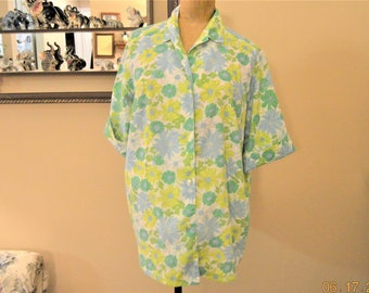 """50's floral blouse,L,Comfy,Cool,Blue,Yellow,White and Green  Blossoms ,button Down,Short Sleeve ,Fold up Cuffs,Collar Size 44"""" -46"""" Chest"""