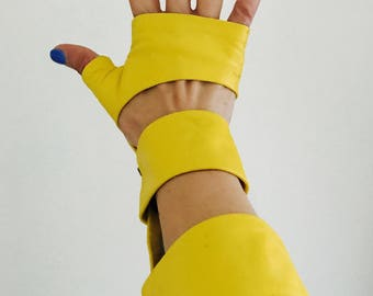Spring Gloves in Yellow