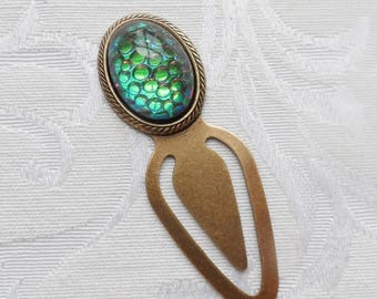 Bookmark. Vintage Czech Glass Cameo, Dragon Skin, Green