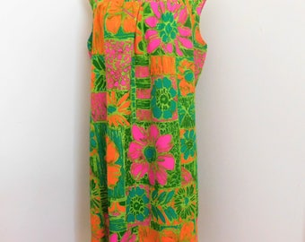 Vintage 60's Hawaiian Print Shift DRESS