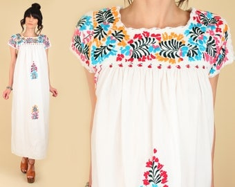 ViNtAgE 70s Floral Embroidered Mexican Maxi Dress // Cotton Oaxacan Artisan Handmade Hippie BoHo Wedding Small S