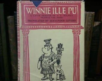Winnie Ille Pu in Latin by Alexander Lenard