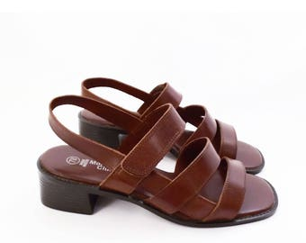 90's chunky leather sandals // brown minimal // vintage strappy sandals // women's size 7 W