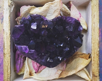 Amethyst druzy heart (with or without vintage Florentine box)
