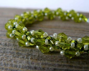 Green Crystal Bracelet, Lime Green Beaded Bracelet, Chartreuse Beadwork Jewelry, Green and Pearl White Beadwoven Bracelet, Gift for Her