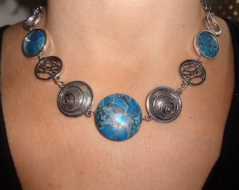 Statement necklace, blue stone necklace, blue stone jewelry, modern jewelry, agate necklace, unique necklaces for women, boho chic necklace