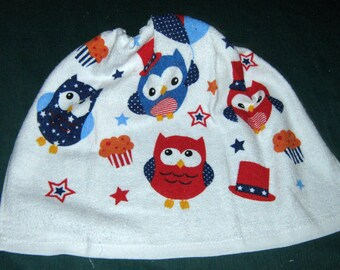Crochet Kitchen Hanging Towel, Patriotic owls, Red, White, & Blue, White  top