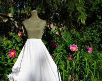 Boho vintage 80s white rayon, cinched skirt with scalloped hem, net lace, pastel butterfly embroidery. Bali Emerald. One size fits all.