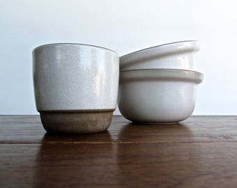 Edith Heath Pottery of California, Open Stackable Sugar-Bowl, Opaque Vellum White w/Sand Edging, American Modern Design