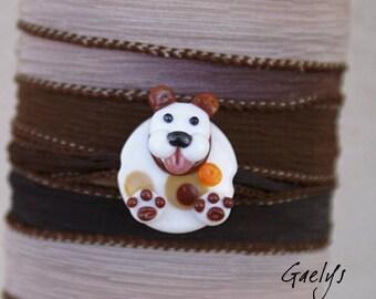 Walfy - Bracelet / Collier - perle galet motif petit chien et ruban de soie -  Animaux de verre - Gaelys