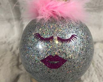 Fabulous Pink Glitter Eyelashes And Lips Silver Shimmering Glass Ornament Pink Feathers