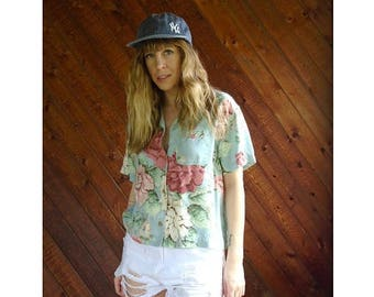 20% off SUMMER SALE. . . Floral s/s Print Button Down Crop Shirt - Vintage 90s - M
