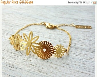 On Sale 40% off, Flores Link Bracelet, wedding, bridal gold silver charm Mexican Dia de los Muertos theme flowers woodland jewelry