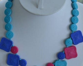"""On sale Pretty Vintage Turquoise, Electric Blue, Fuschia Pink Plastic Beaded Necklace, 18"""", Assymetrical (AP8)"""