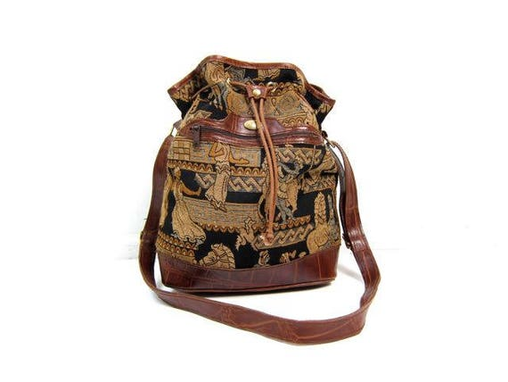 90s Tapestry Purse Large Drawstring Pouchy Bag Grecian Print Horses Purse Crossbody Shoulder Bag Vintage Woven Fabric Brown Leather Tote