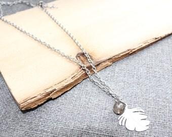 collier, acier inoxydable, gris, feuille, plume, nature, original, pendentif, breloque, cadeau pour elle, collier court, simple, delicat