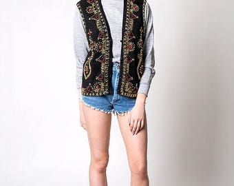 40% SUMMER SALE The Vintage Black Red and Gold Beaded Knit Vest