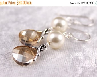 ON SALE Bridesmaid Jewelry Set of 5 Crystal and Pearl Earrings Savannah