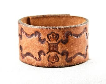 Vintage Distressed Leather Cuff, Tooled Leather Cuff, Leather Jewelry, Brown Leather, Tan Leather, Bracelet Cuffs For Women